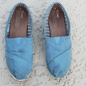 Toms loafers size 7